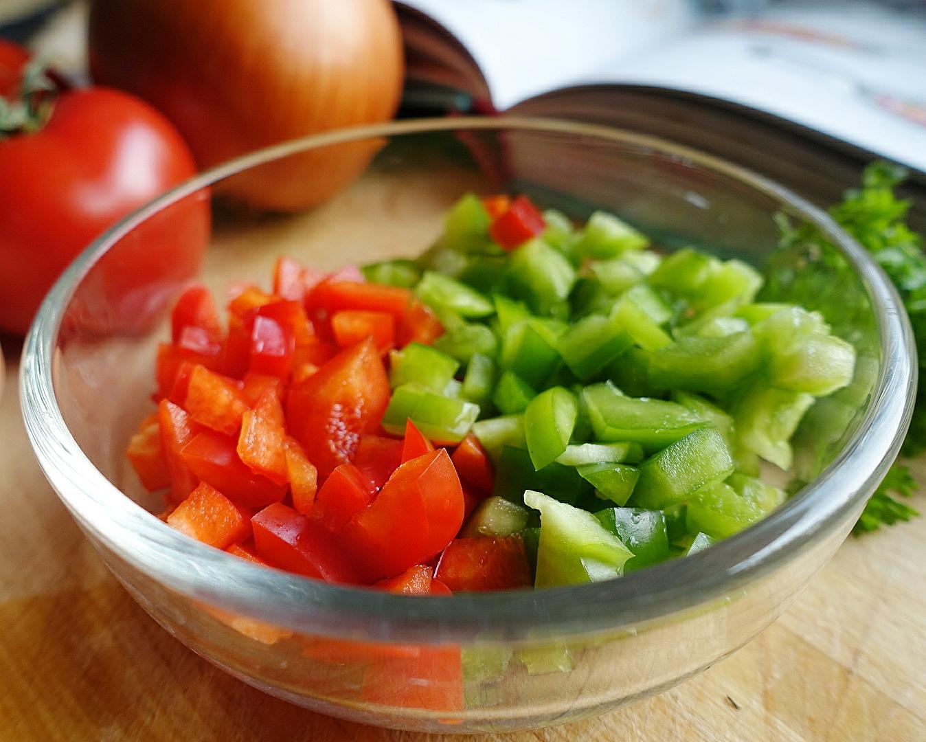 Gewürfeltes Gemüse anbraten