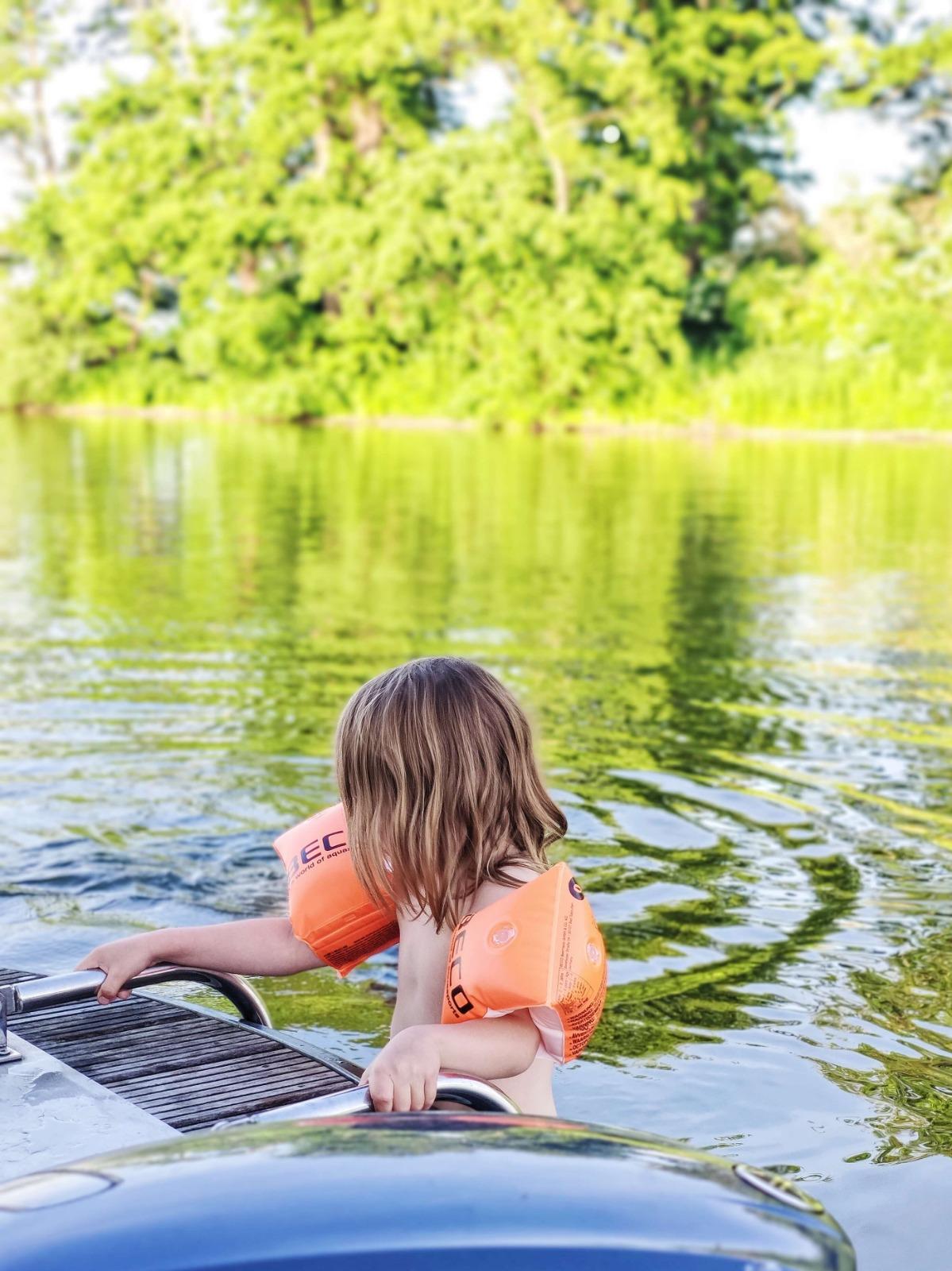Baden vom Hausboot aus ist ein Genuss