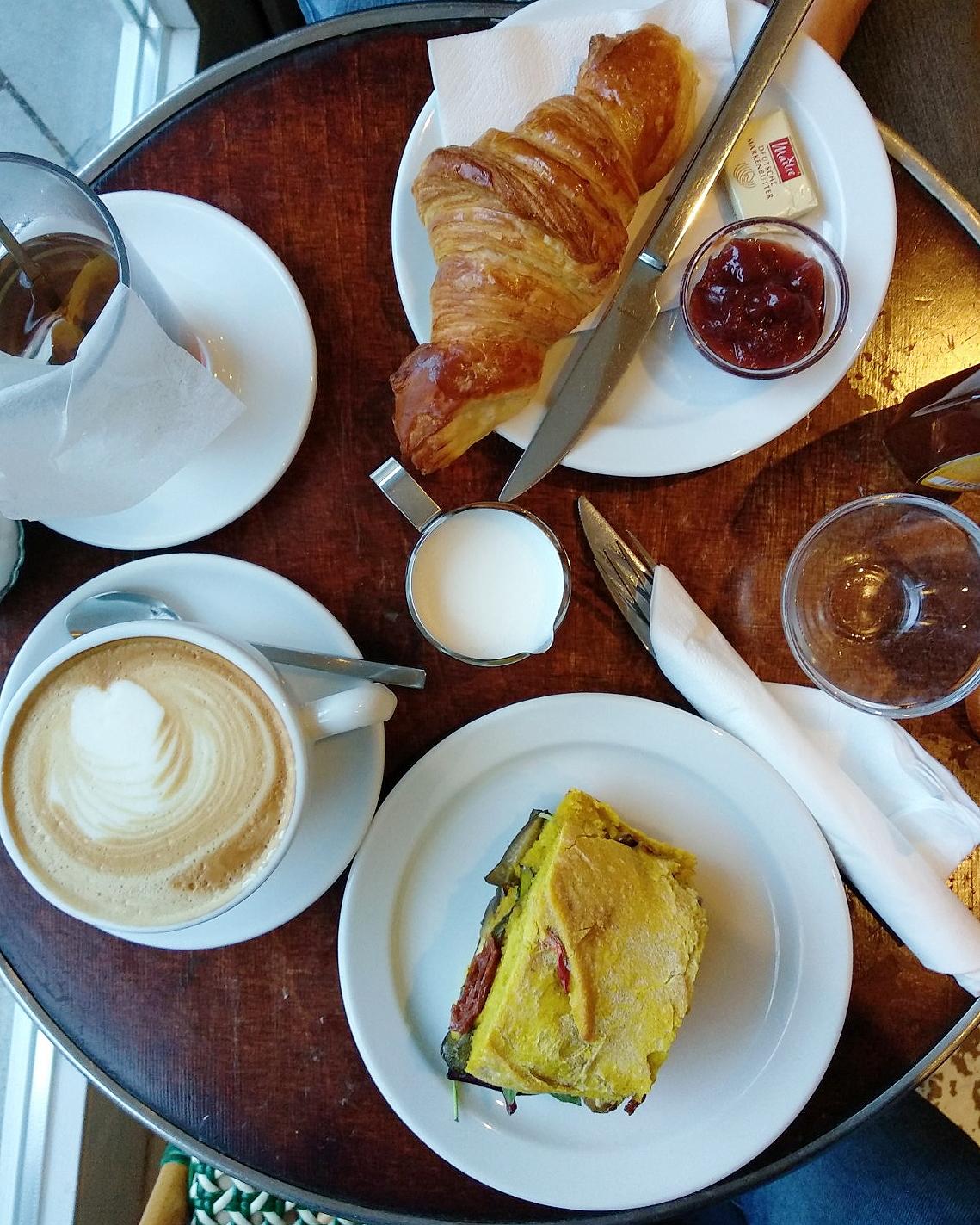 Frühstück im Le Delice Hamburg