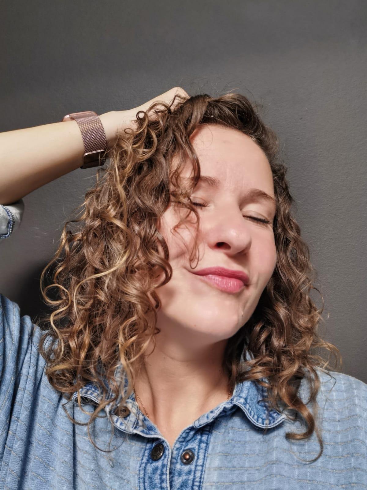Vom Strohkopf zum Lockenschopf – Ich habe die Curly Girl Methode ausprobiert