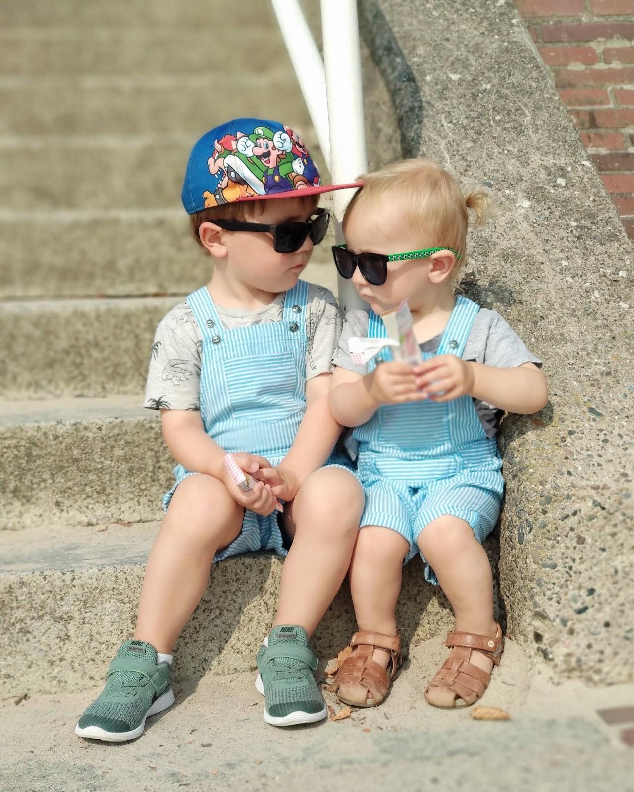 Cool kids: Geschwisterplüsch vom Allerfeinsten.