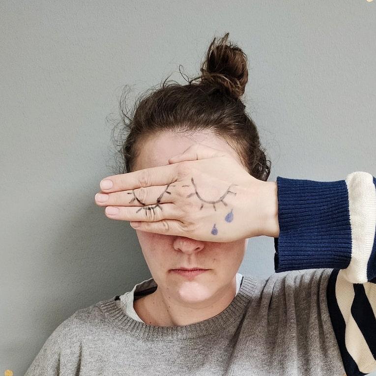 Warum weinen nicht nur okay ist, sondern uns stärker macht