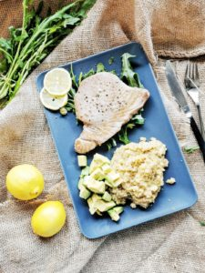 Quinoa lässt sich blitzschnell zubereiten und ist mit Zitrone herrlich erfrischend