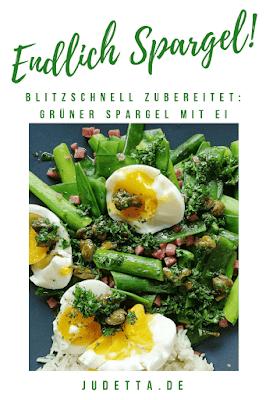 Blitzschnell zubereitet und unglaublich lecker: Grüner Spargel mit Zuckerschoten, Schinken und Ei