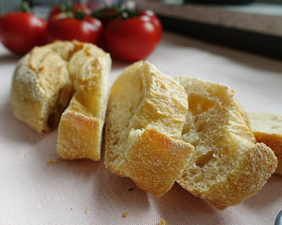 Schnelle Rezepte fürs Home Office: Hähnchenfächer Caprese mit Tomaten und Mozzarella, zubereitet in weniger als 20 Minuten #inunter20